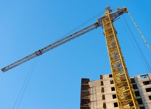 Опасный строительный кран в центре Краснодара демонтировали