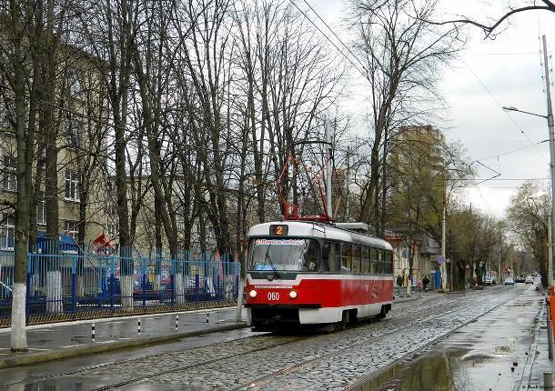 В Краснодаре разыскивают пассажиров трамвая, избивших кондуктора