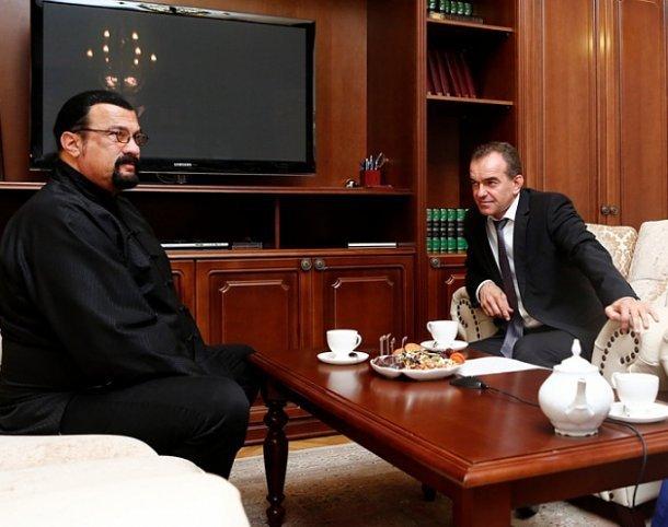 Кондратьев предложил казаку Сигалу заниматься виноделием и кино на Кубани