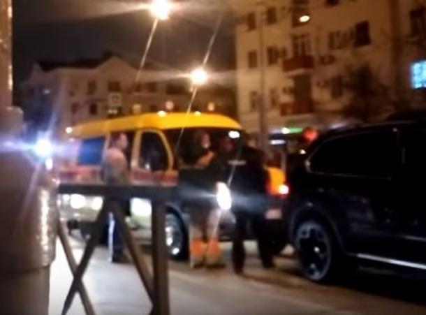 Крутые парни на BMW X5 устроили разборки с газовой службой в Краснодаре