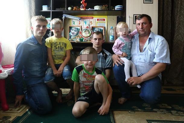Власти Кубани проконтролируют оказание помощи семье убитой в Псебае многодетной матери
