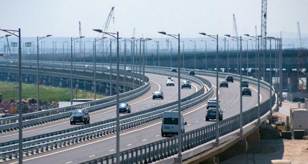 На подъезде к Крымскому мосту из-за ремонта дороги ограничат движение