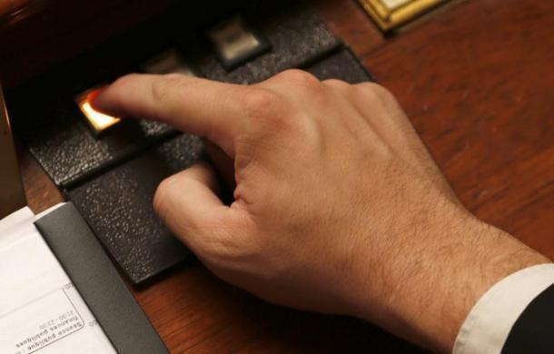 Тринадцать «за», один «против»: депутаты Госдумы от Кубани проголосовали за автономный интернет