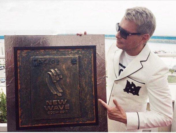 Басков показал свой барельеф в Сочи