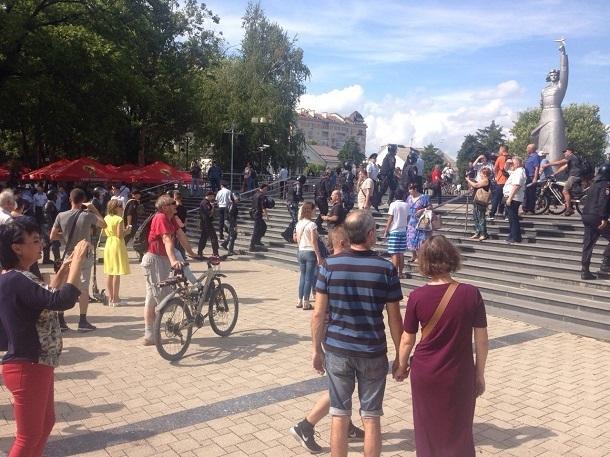 Акцию против повышения пенсионного возраста в Краснодаре посетили около 300 человек