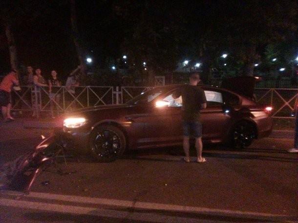 Федор Смолов требует через суд деньги за разбитый им BMW в Краснодаре