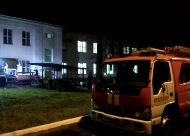 В Краснодаре задымилась детская краевая больница: эвакуировали более 100 человек
