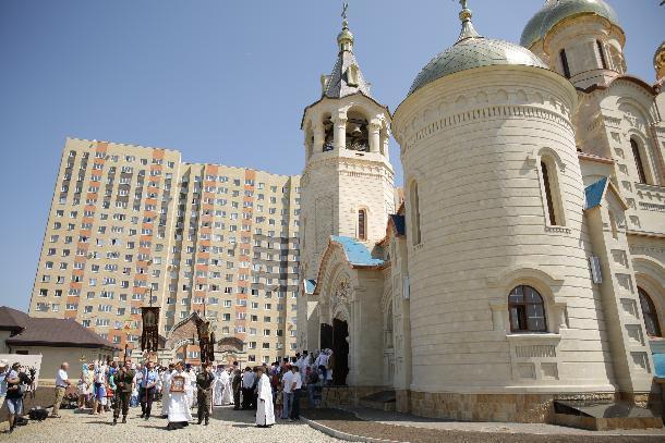 Почетный строитель Юрий Иванов основал храм святого князя Владимира в Ставрополе