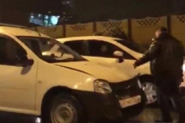 В массовом ДТП в Краснодарском крае столкнулось 6 машин