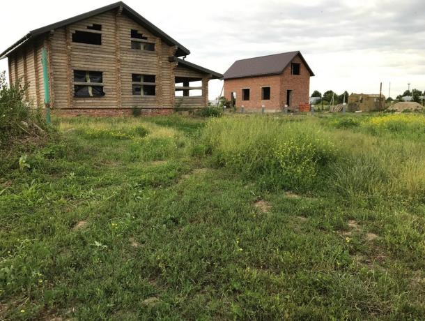 «Нас поделили на первый и второй сорт!» - многодетных и военных поселили в жутком «гетто» Славянска-на-Кубани