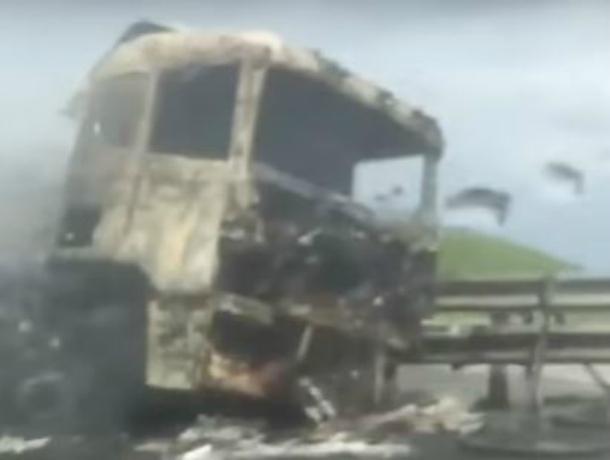 ВПавловском районе сгорела фура сячменем