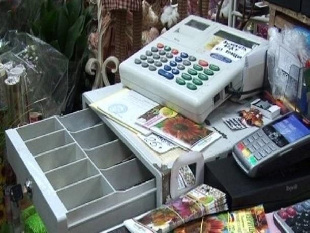 ВТимашевске мужчина ограбил магазин, угрожая продавщице тесаком