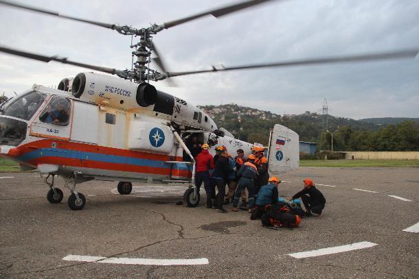 Тело погибшего в горах туриста доставили на вертолете в Сочи
