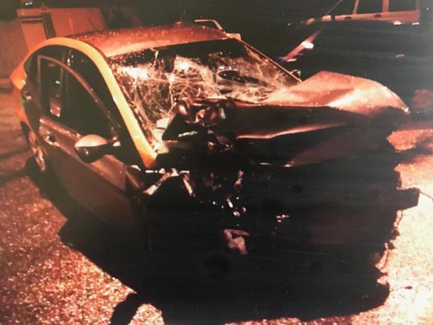 В Краснодаре 20-летний лихач на иномарке влетел под грузовик