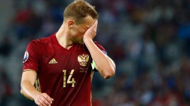 Сборная России после матчей в Краснодаре и Сочи упала на дно рейтинга ФИФА