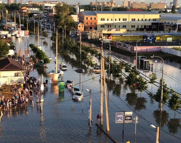 «Мы хотим дойти до Москвы»: жителей Музыкального микрорайона Краснодара достали потопы и отключения света