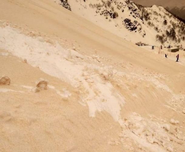 Спутники NASA узнали, почему в Российской Федерации и вевропейских странах выпал жёлтый снег