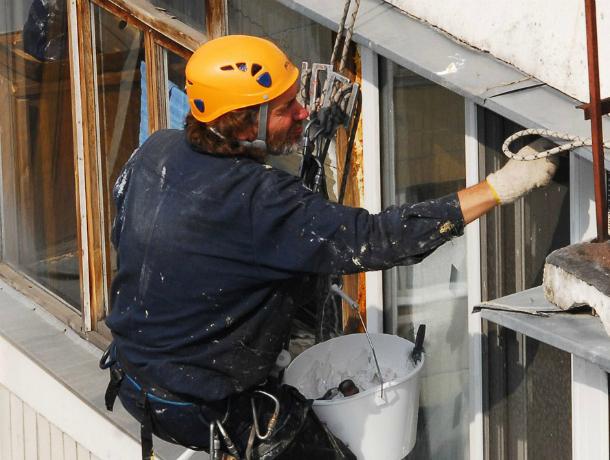 ВКраснодаре продолжается полноценный ремонт многоквартирных домов