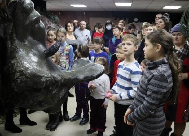 Древний ленивец и плезиозавр появились в Краснодаре