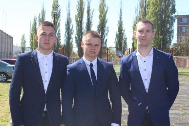 Трое школьников из Приморско-Ахтарска спасли тонущего мальчика, упавшего с моста