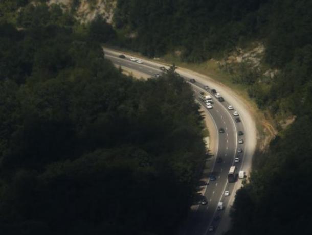 Губернатор Кубани оценил состояние ведущих кморю автомобильных дорог