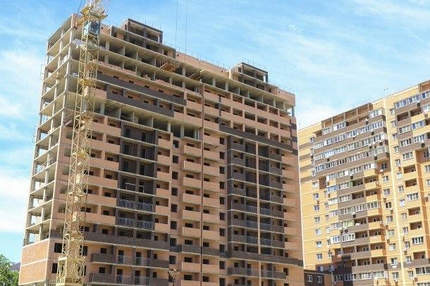 Мэр Краснодара поручил застройщикам поскорее достроить проблемные дома