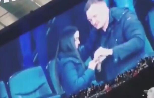 Предложение руки и сердца получила футбольная фанатка на матче «Краснодар» - «Зенит»