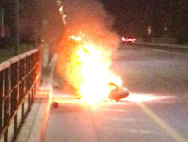 Ночью на Ростовском шоссе в Краснодаре сгорел мотоцикл