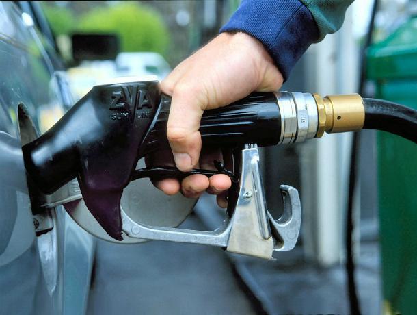 На Кубани в 2018 году дважды подорожает бензин