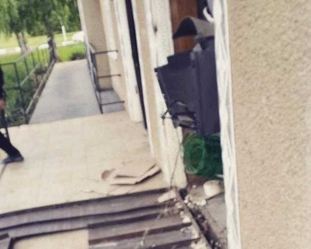 Под Краснодаром неизвестные устроили взрыв ипохитили банкомат изздания администрации