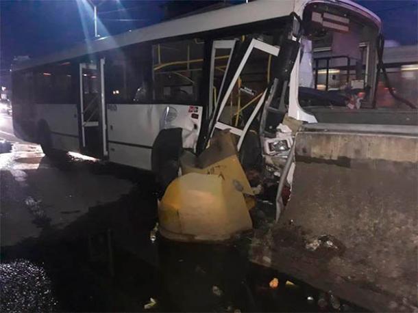 Девять человек пострадали в ДТП с рейсовым автобусом в Сочи