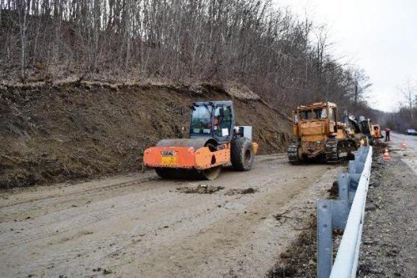 В Горячем Ключе вместо разрушенной оползнем дороги проложили новую