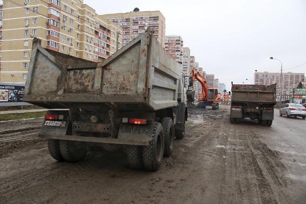 В Краснодаре завершили один из этапов строительства коллектора на Петра Метальникова