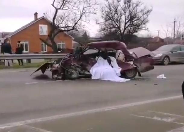 В ДТП под Краснодаром погибли два человека
