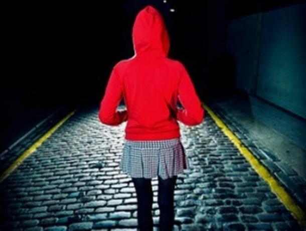 Милиция Кубани нашла сбежавшую девочку-подростка взаброшенном доме