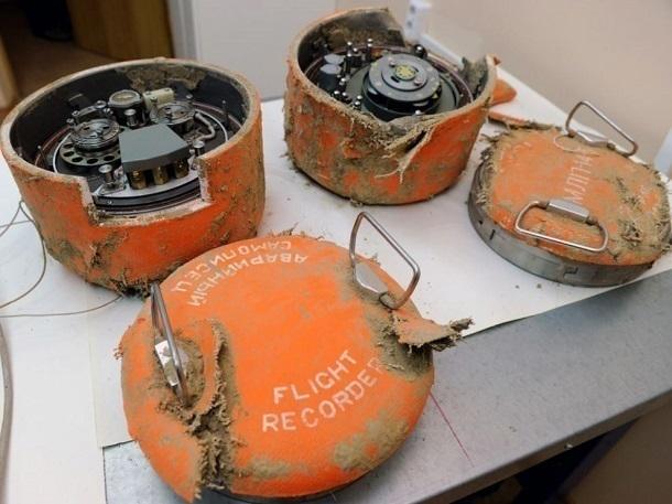 РосСМИ говорили о разрушении 3-го черного ящика русского Ту-154
