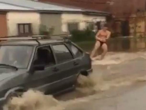 Тимашевские оптимисты устроили вейксерфинг после потопа