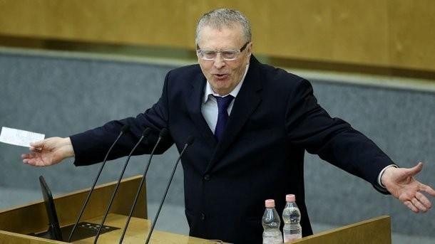 Жириновский первым подал вЦИК документы навыдвижение кандидатом впрезиденты