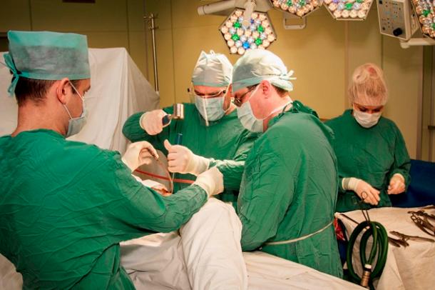 Кубанские травматологи почастям собрали пострадавшую вДТП девушку
