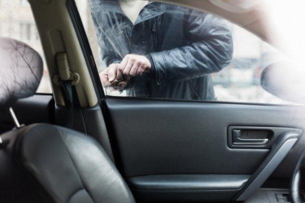 Угнать за 60 минут: житель Адыгеи украл в Краснодаре две машины