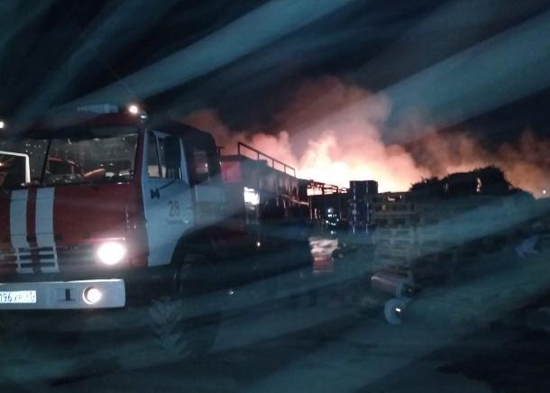 Крупный пожар произошел ночью в Тимашевске