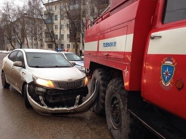 Пожарным Кубани могут разрешить сносить преграды на своем пути