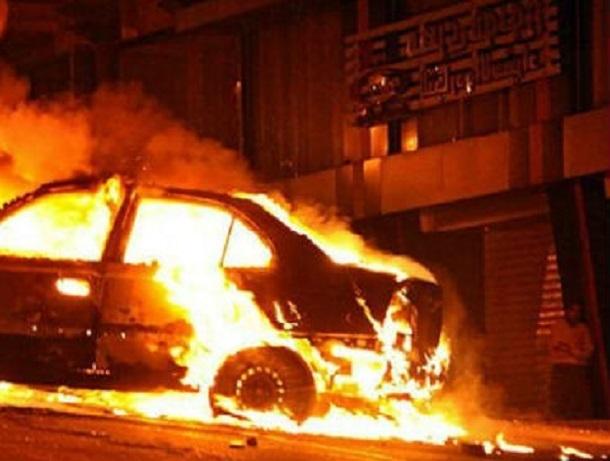 В пожаре на парковке Краснодара спасли 11 человек