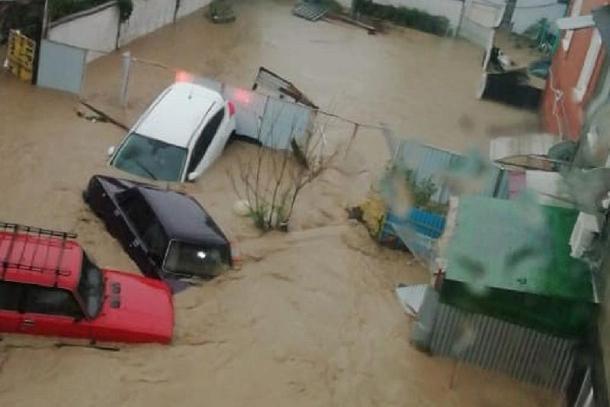 Около двух тысяч домов было затоплено в результате сильных дождей на Кубани