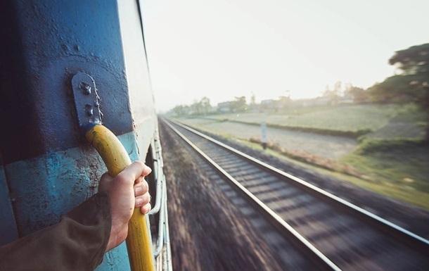 На Кубани школьник залез на крышу поезда и получил удар током