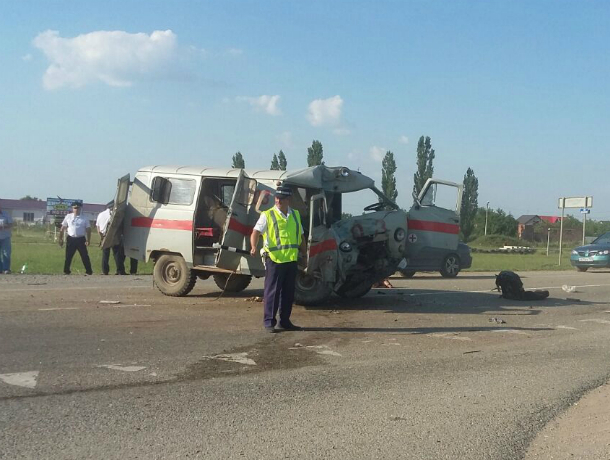 В «скорой», угодившей вДТП, находились посторонние пассажиры