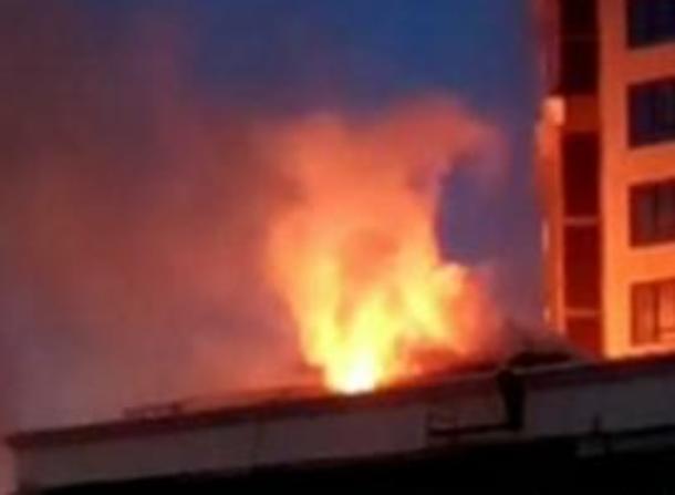 В Краснодаре произошел пожар на стройке