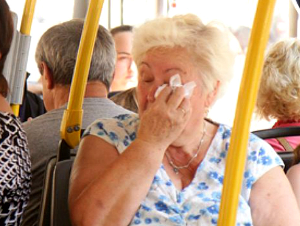 В Краснодаре начался сезон обмороков от удушья в автобусах