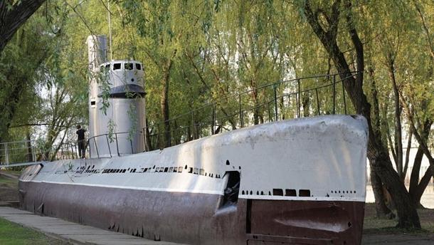 Жители Краснодара просят власть привести в порядок подлодку на Затоне