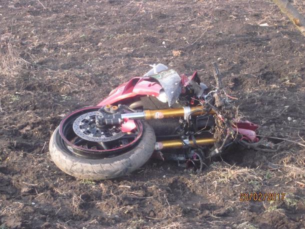 ВКраснодарском крае насмерть разбился 28-летний мотоциклист